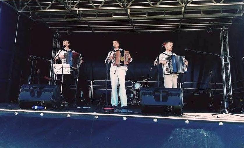 Tartu tantsuklubi_akordionid_06.05.15.jpg