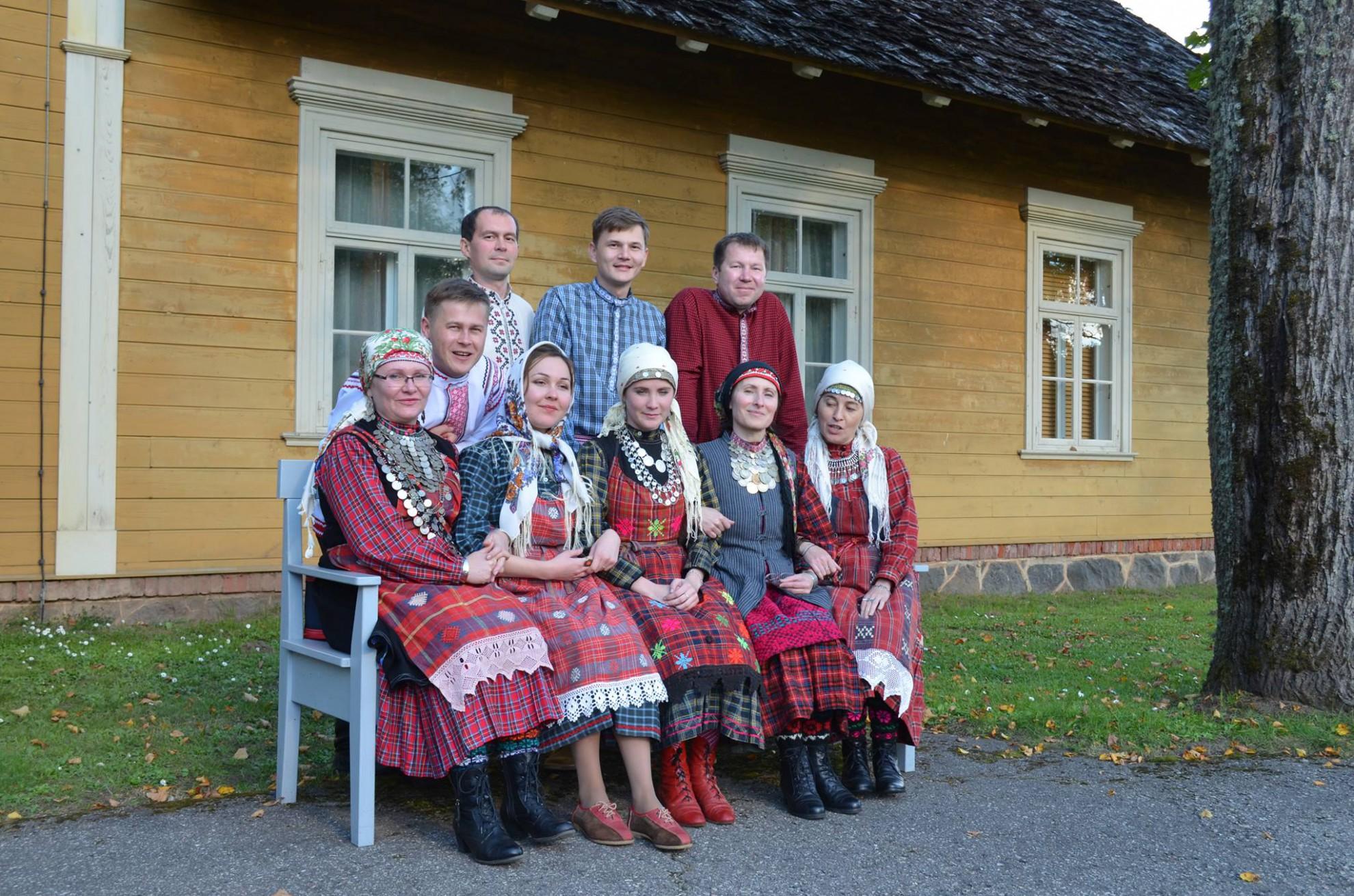Folklooriansambel Jumšan gur Lätis Turaidas 27. septembril 2015